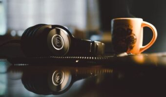 10 Best Headphones Under 100 Dollars